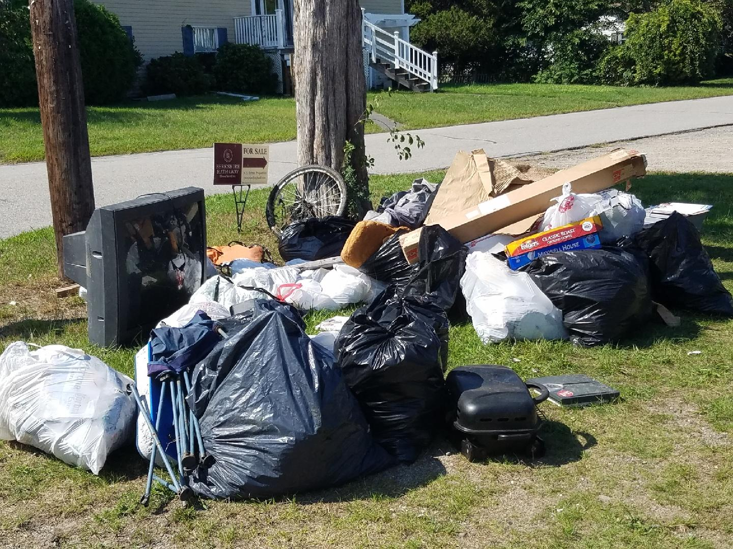Trash collected at Common Fence Point