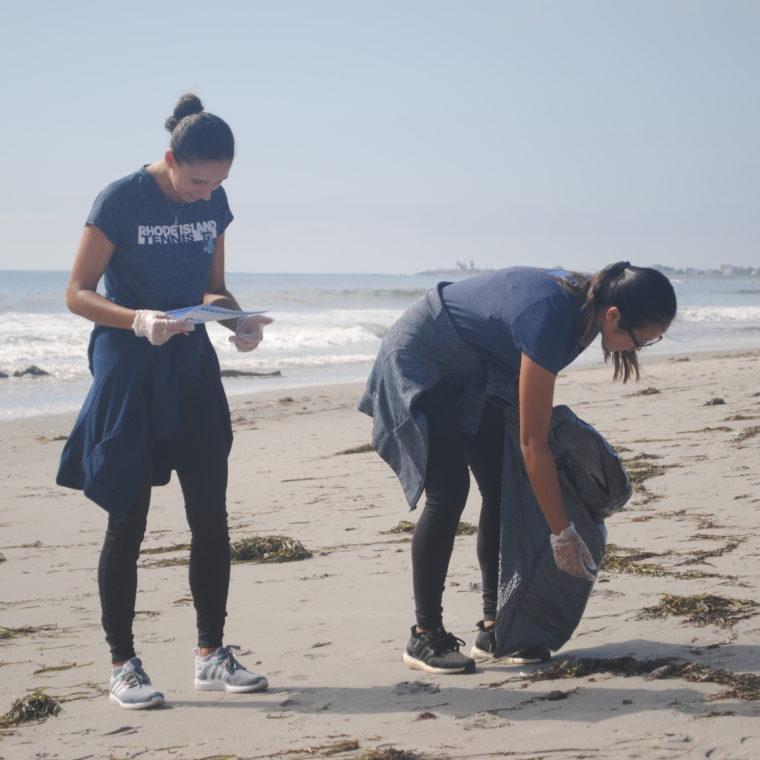 Scarborough Beach cleanup during ICC 2018